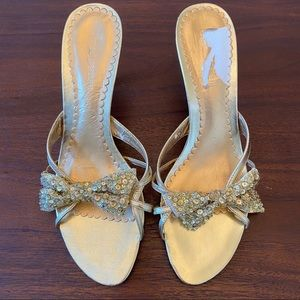 Enzo Angiolini Gold Sequin Bow Heel Sandals 8.5